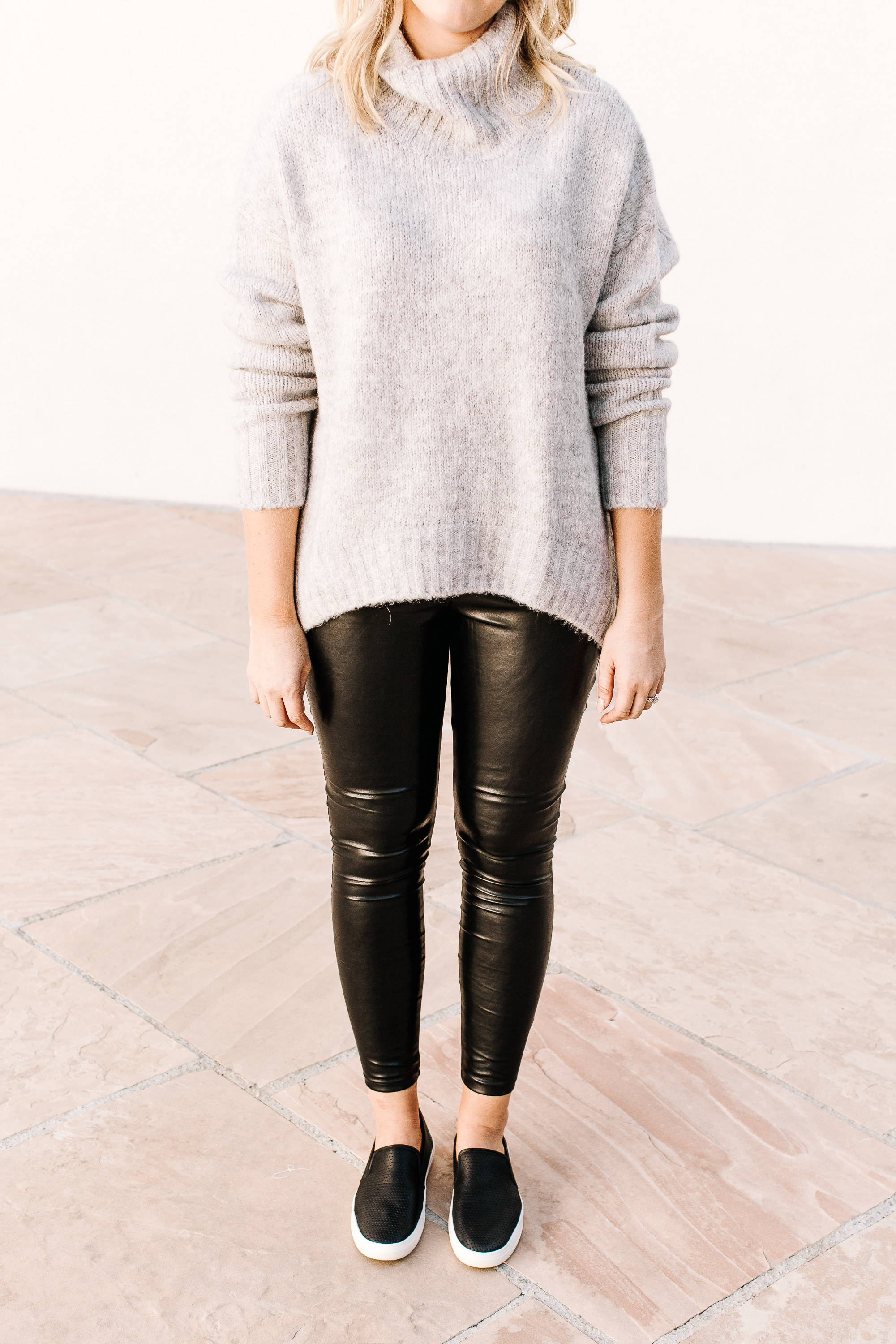 oversized-sweter-leather-leggings-and-slip-on-sneakers-details