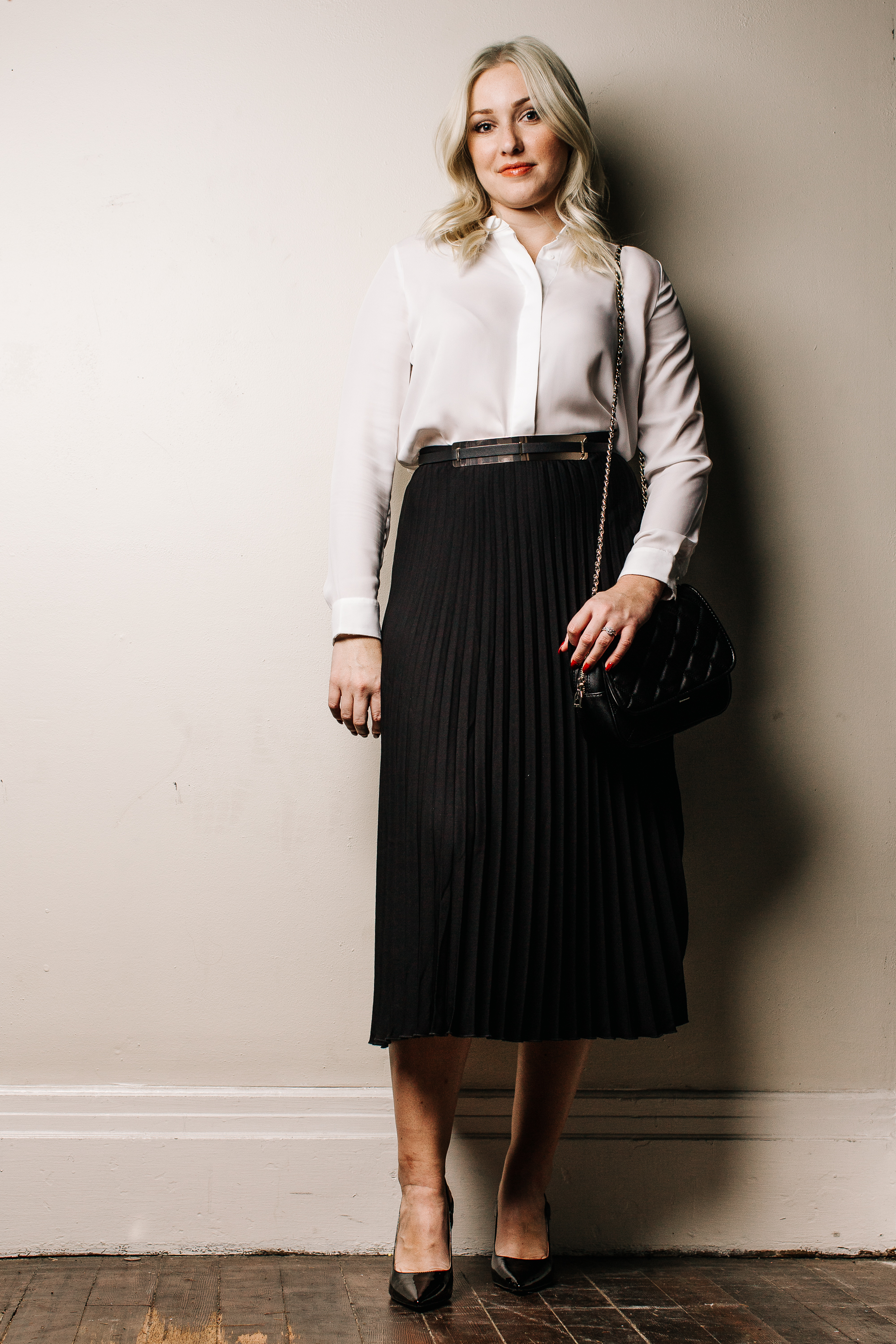 trish-taylor-pleated-midi-skirt-and-white-blouse